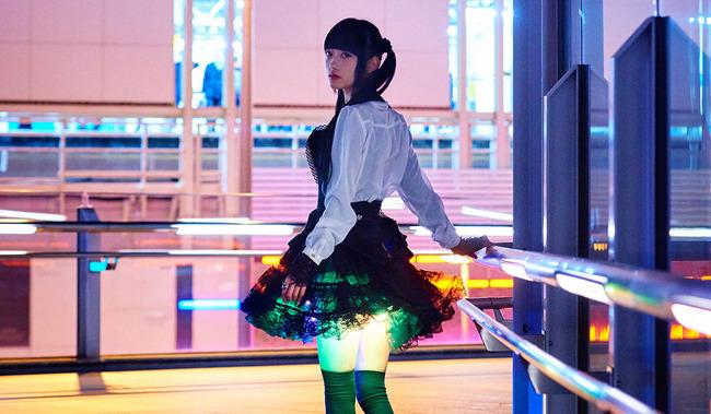 光るスカートに関連した画像-05