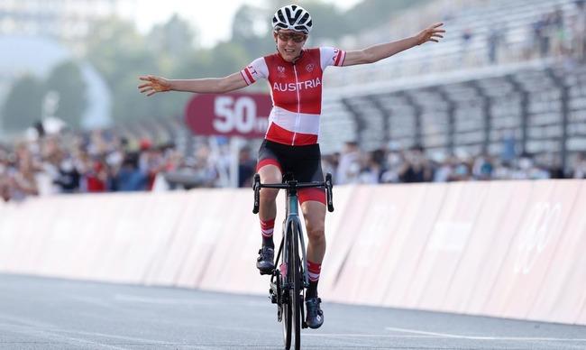 【凄すぎ】東京五輪・女子自転車ロードレースでアマチュアの数学研究者が金メダルを獲得するという超大番狂わせが発生wwwwww