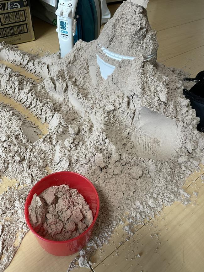 夫 プロテイン 娘 発見 砂場 砂遊びに関連した画像-02