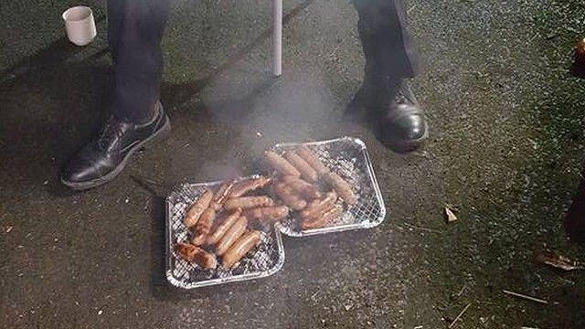 豚 火事 ソーセージ 消防士に関連した画像-03