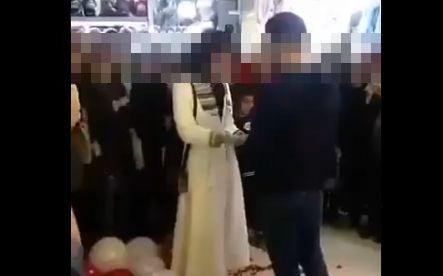 ショッピングモール サプライズ プロポーズ イラン 違法 逮捕に関連した画像-01