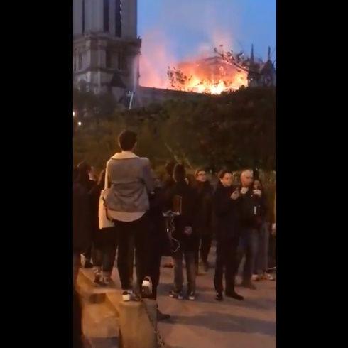 ノートルダム大聖堂 火災 パリ アベマリア 合唱 映像に関連した画像-05