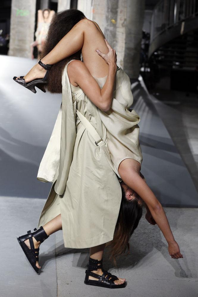 パリコレ ファッションに関連した画像-03