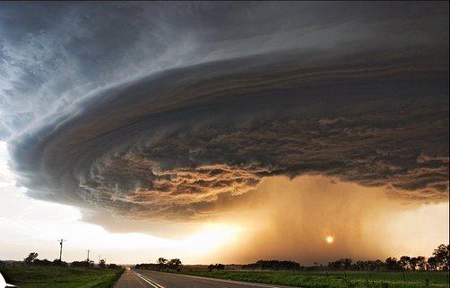 【異常気象】 愛知で巨大積乱雲「スーパーセル」が発生! 約7000回の落雷、火災も相次ぐ