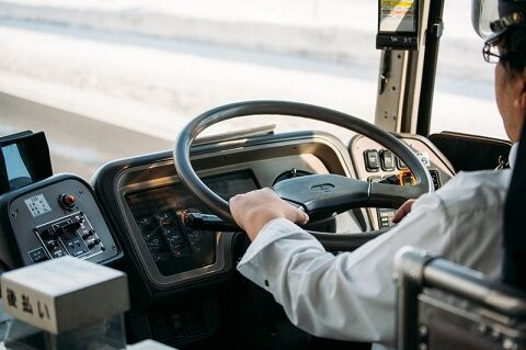 バス運転士「俺らの給料が高給ってお前らマジで言ってる?じゃ見せてやるよ」パシャッ → 衝撃の給与明細が公開される