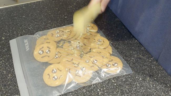 ぴえん クッキー ムカつく チーズケーキ 料理 砕くに関連した画像-03