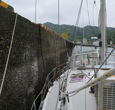 梯子里港岸壁
