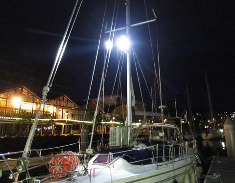 サーチライト点燈
