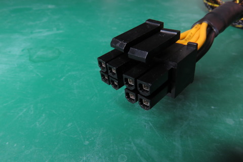 4ピン8ピン12V電源コネクタ