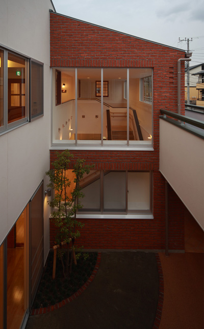 階段室夕景35-35