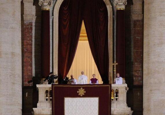 ローマ教皇「クリスマス中止のお知らせ」