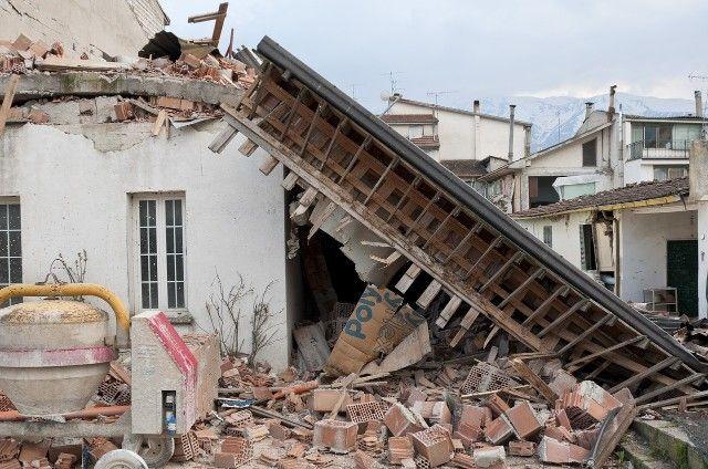首都直下地震が4年以内に70%の確率で起きる!?気象庁は東海地震の科学的予知を諦めている!?