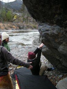 白狐岩に集まるギャルボルダラーたち