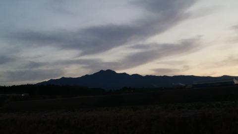 本日の夜明けの鞍岳