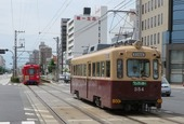 堺市・大道筋を走る阪堺電車