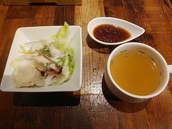 神田の肉バル RUMP CAP 新橋店 ランチ サラダ スープ