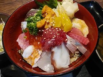 新橋 魚まみれ眞吉 しんきち ランチ 豪華海鮮丼