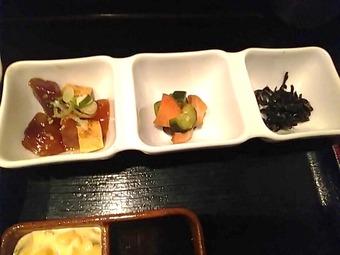 築地 蕎麦 長生庵 本日のおすすめランチ カキフライ定食 小鉢