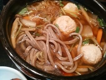 新橋 本陣房本店 ランチ鶏つくね入り けんちん蕎麦 太麺
