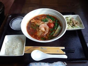 新橋 ブアデタイ ランチ トムヤムクン麺