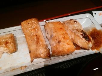 新橋 炉ばたや ランチ 鮭はらす定食