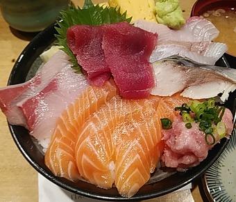 板前寿司 新橋店 日替りランチ海鮮丼