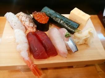 築地 神楽寿司 ランチにぎり