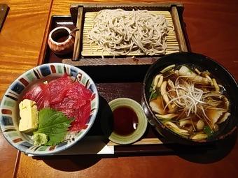 新橋 旧月 ランチ 肉つけ蕎麦とまぐろ丼