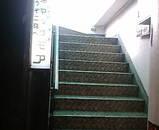 築地 マックモア 階段