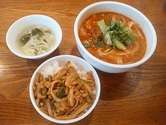新橋 シーアン XI'AN ランチ 担々麺 ザーサイ挽肉ご飯