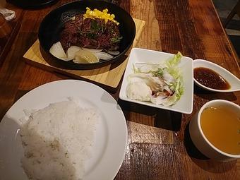 神田の肉バル RUMP CAP 新橋店 ランチ ハラミステーキ
