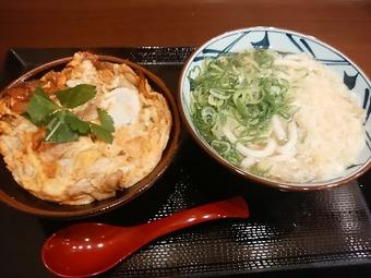 汐留 丸亀製麺 親子丼 うどん