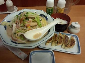 新橋 リンガーハット ランチ 野菜たっぷりイカちゃんぽん