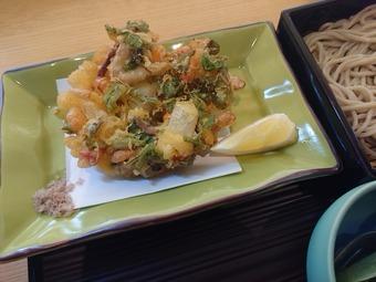銀座久保田ランチ 季節丼と蕎麦膳 かきあげ