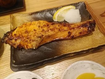 新橋 魚焼男 焼き魚ランチ 鮭西京焼き