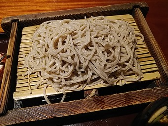 新橋 旧月 ランチ 肉つけ蕎麦とまぐろ丼 そば