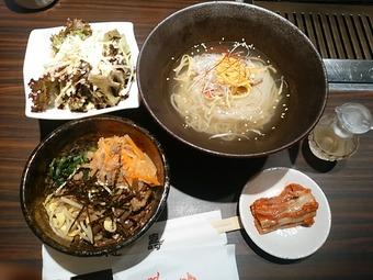 新橋 徳寿はなれ 麺&ビビンバランチ