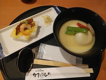 新橋 かおりひめ「正月メニュー 香川の雑煮」あんこ餅入り