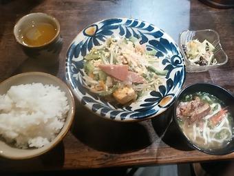 新橋 沖縄倶楽部 源さん ランチ ゴーヤーちゃんぷるー定食