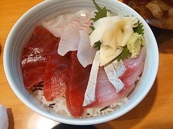築地 魚河岸三代目 千秋 ランチ 本日のおすすめ丼