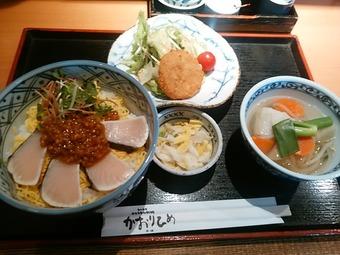 新橋  かおりひめ ランチ 炙りサワラ麦味噌丼芋炊ききセット