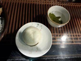 新橋 ランチパスポート 恭恭 きょんきょん 椎茸饅頭 めかぶ茶