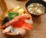 新橋 根室食堂 海鮮ちらし寿司