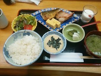 銀座 熊さわ くまさわ ランチ 麦とろご飯と焼き魚