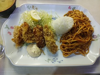 銀座 洋食 はと屋 はとや ナポリタンセット・カキフライ