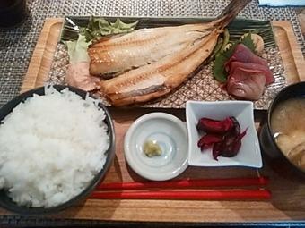 新橋 白金魚 プラチナフィッシュ 本店 ランチ