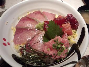 新橋 福炎や「日替り魚御膳・天然氷見の寒ブリ海鮮丼