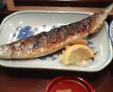 新橋 根室水産 さんま焼きと刺身定食