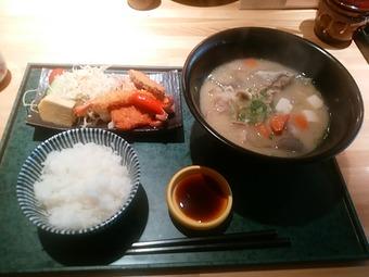 銀座 のっぽっぽ ランチ 特製豚汁定食