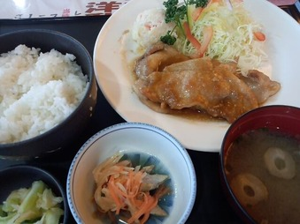笠間 カントリークラブ ザ・レイクス 昼飯 生姜焼き